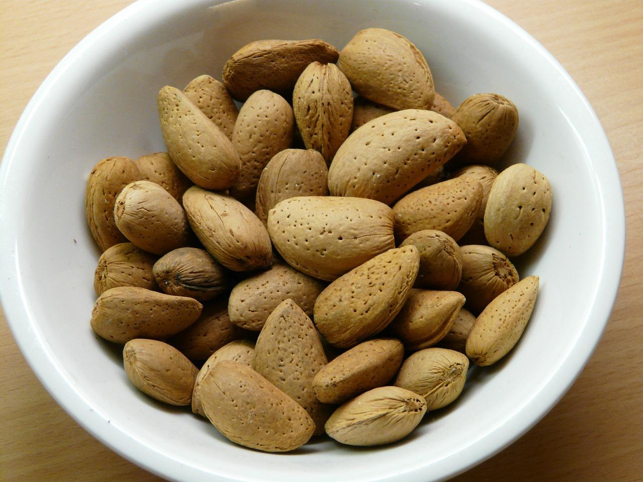 almonds-49603_1280